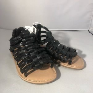 💝 Very cute strapped sandals